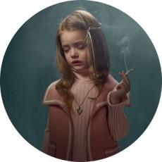Frieke_Janssens_Smoking_kids_13_Coultique
