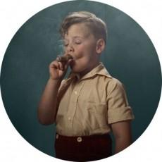Frieke_Janssens_Smoking_kids_11_Coultique